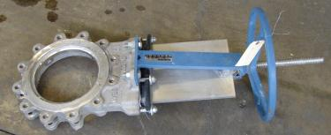 Valve 10 Dezurik gate valve, manual operation, 304 SS
