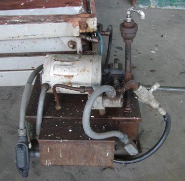 Material Handling Equipment scissor lift table, 47 x 63 platform