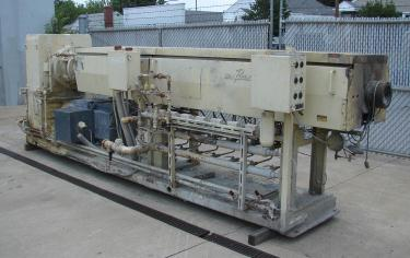Extruder 4.5 NRM plastic extruder model Pacemaker III, 200 hp DC drive, L/D 34:1