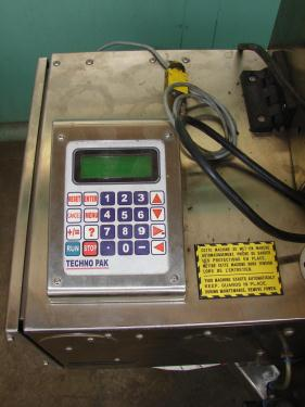 Labeler Techno Pak pressure sensitive labeler model TP-7 RH, Blow on