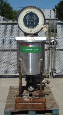 Tank 36 gallon vertical tank, Stainless Steel, slope Bottom