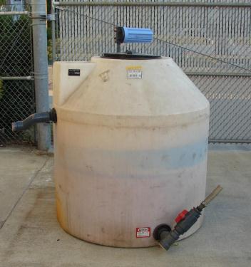 Tank 300 gallon vertical tank, Polyethylene, flat