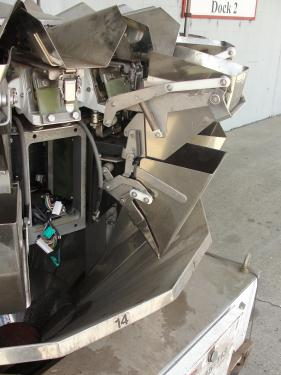 Scale 14 bucket Ishida multihead combination weigher model CCW-S-211, Stainless Steel, 283g - 907g weigher capacity