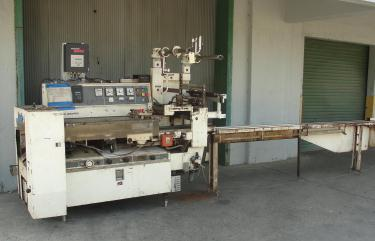 Wrapper FMC horizontal flow wrapping machine model WA520, speed 200 ppm