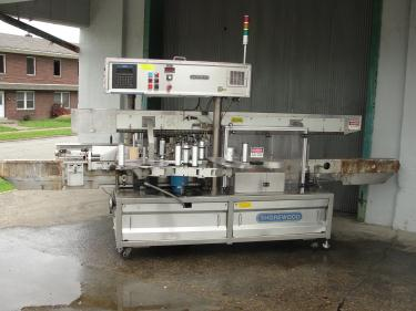 Labeler Shorewood pressure sensitive labeler model 4100, front & back, 300 cpm