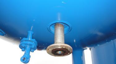 Tank 600 gallon vertical tank, Stainless Steel Contact Parts, 21.7 psi @ 248° F jacket, 1.5 hp agitator, dish bottom