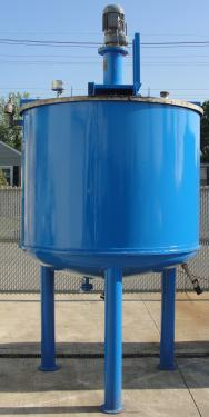 Tank 600 gallon vertical tank, Stainless Steel Contact Parts, 21.7 psi @ 248° F jacket, 1.5 hp agitator, dish Bottom