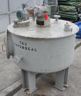 Tank 280 gallon vertical tank, CS, 2 hp top mounted agitator, dish