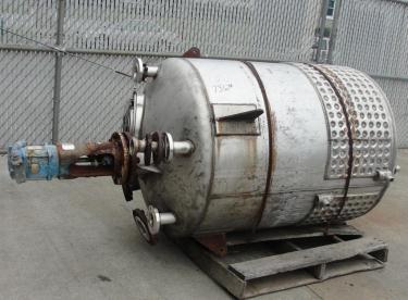 Tank 250 gallon vertical tank, Stainless Steel, 25 psi @ 350° F internal, 125 psi @ 350° F half jacket, .75 hp agitator, conical bottom