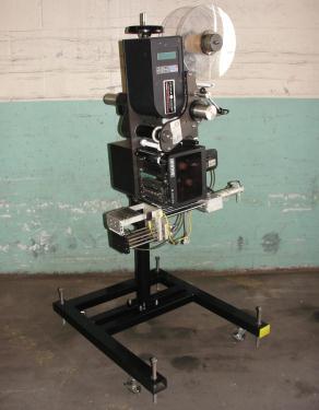 Labeler Loveshaw pressure sensitive labeler model Little David LS-800-T-G, blow-on, 16 per second