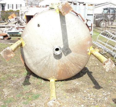 Tank 2000 gallon vertical tank, Stainless Steel, dish bottom