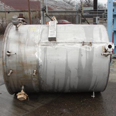 Tank 700 gallon vertical tank, Stainless Steel, flat bottom