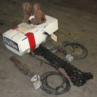 Material Handling Equipment chain hoist, 1000 lbs. Duff-Norton/Amstar model Coffing, 16 long chain