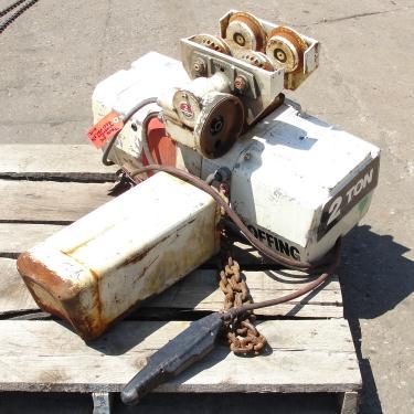 Material Handling Equipment chain hoist, 4000 lbs. Duff-Norton/Amstar model Coffing, 28 long chain