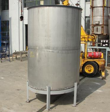 Tank 1615 gallon vertical tank, 304 SS, slope bottom