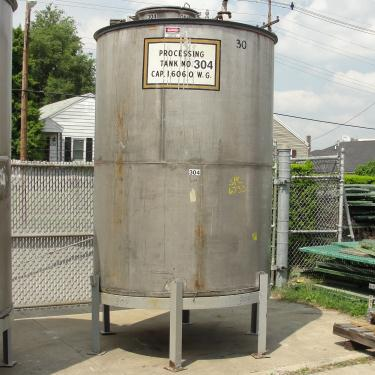 Tank 1606 gallon vertical tank, 304 SS, slope