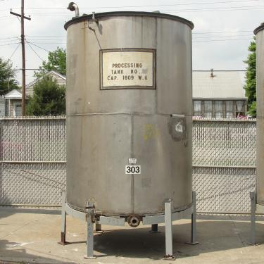Tank 1609 gallon vertical tank, 304 SS, slope Bottom