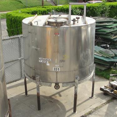 Tank 1530 gallon vertical tank, 304 SS, slope Bottom