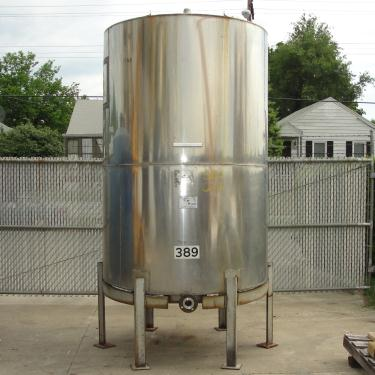Tank 1054 gallon vertical tank, 304 SS, slope
