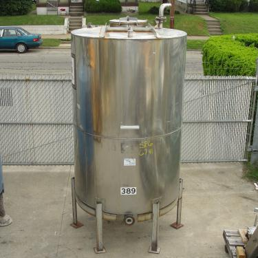 Tank 1054 gallon vertical tank, 304 SS, slope Bottom