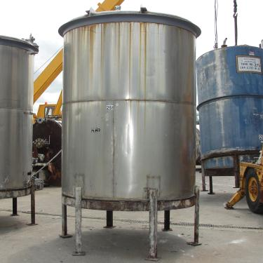 Tank 1560 gallon vertical tank, 304 SS, slope bottom