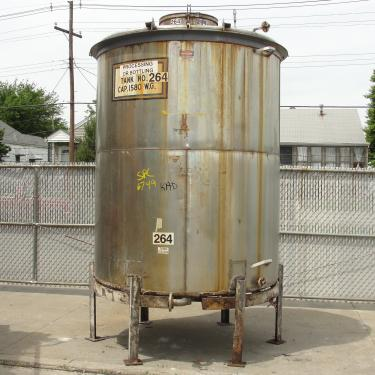 Tank 1580 gallon vertical tank, 304 SS, slope Bottom