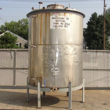 Tank 1550 gallon vertical tank, 304 SS, slope