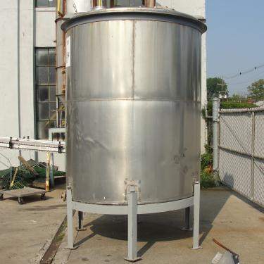 Tank 1550 gallon vertical tank, 304 SS, slope Bottom