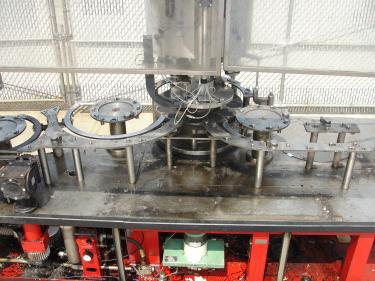 Filler 96 valve KHS liquid gravity filler model Compacta-Tronic monoblock, 5.56 centers, 580 bpm
