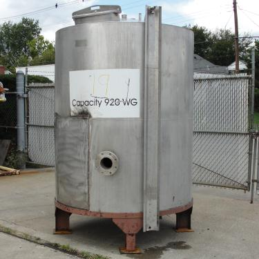 Tank 900 gallon vertical tank, Stainless Steel, conical
