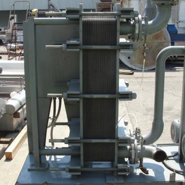 Heat Exchanger 343.4 sq.ft. Dry Coolers Inc plate heat exchanger, Stainless Steel