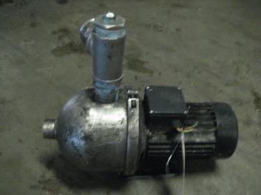 Pump 15 1/2  OAL  x 17 1/2 OAH Grundfos centrifugal pump, 1.5 hp, Stainless Steel
