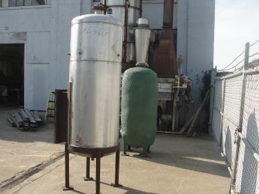 Tank 225 gallon vertical tank, Stainless Steel, dish bottom
