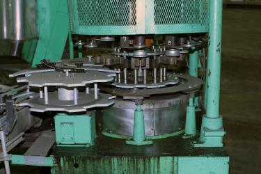 Capping Machine Pneumatic Scale screw capper model Pneumacap, 33 mm chucks