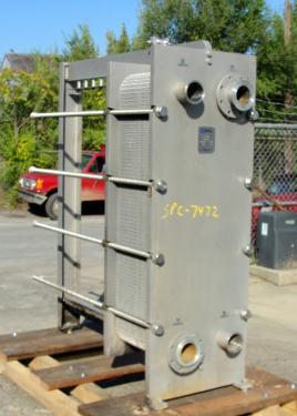 Heat Exchanger 549 sq.ft. Waukesha Cherry Burrell plate heat exchanger, Stainless Steel