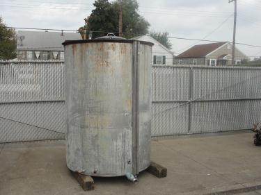 Tank 740 gallon vertical tank, Stainless Steel, flat