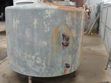 Tank 750 gallon vertical tank, Stainless Steel Contact Parts, flat