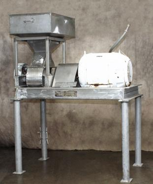 Mill Fitzpatrick model F Fitzmill, Stainless Steel, hopper type feed, series 2600 comminuting machine