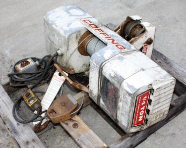 Material Handling Equipment chain hoist, 500 lbs. Duff-Norton model WR.102.BM