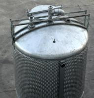 Tank 650 gallon vertical tank, Stainless Steel, unrated dimple jacket jacket, dish bottom