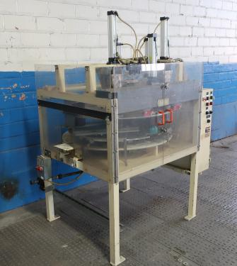 Filler 8 filling tubes volumetric filler 12 1/8 centers
