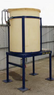 Tank 200 gallon vertical tank, poly