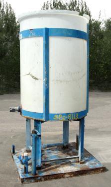 Tank 250 gallon vertical tank, poly, flat