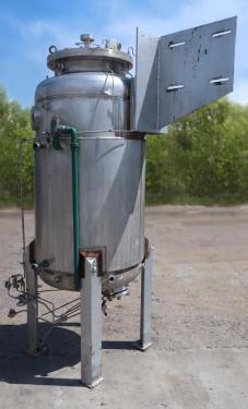 Reactor 500 liter capacity New Brunswick Scientific Co. bioreactor 40 psi internal, 35 psi jacket, stop center agitator, 304 SS