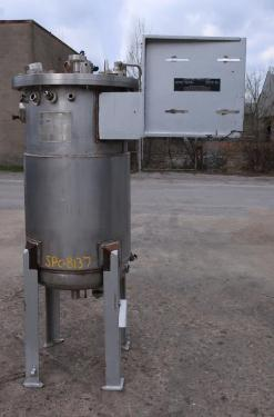 Reactor 250 liter capacity New Brunswick Scientific Co. bioreactor 40 psi internal, 35 psi jacket, top center agitator, Stainless Steel