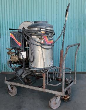 Miscellaneous Equipment Aaladin model 1450 pressure washer, 7.5 hp, 2000 psi, 5 gpm, 440,000 b.t.u.