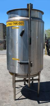 Tank 250 gallon vertical tank, Stainless Steel, dish Bottom
