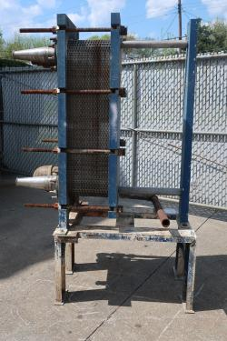 Heat Exchanger 194 sq.ft. Mueller plate heat exchanger, Stainless Steel Contact Parts