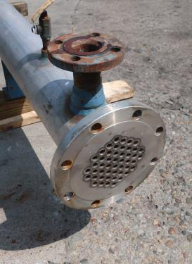Heat Exchanger 54 sq.ft. Chemineer Inc. shell and tube heat exchanger, 200 PSI psi shell, 150 psi internal, Stainless Steel