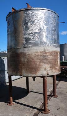 Tank 1900 gallon vertical tank, Stainless Steel, conical Bottom
